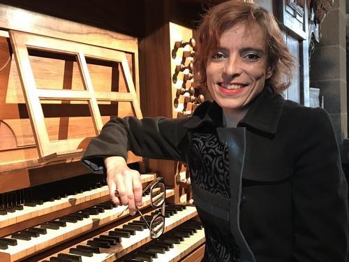 Frédérique Gros à la console.